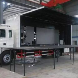 Dongfeng 4*2 20 M2 Stage Performance Truck Mobile Advertising Truck