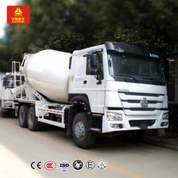 Sino HOWO 6*4 Concrete Batching Vehicle / Concrete Mixing Tank Truck