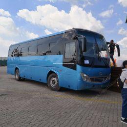 11 Meters Long Tourist Passenger Coach Travel Bus