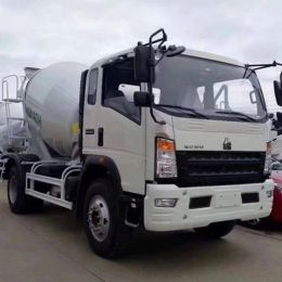 HOWO Euro3 130HP 4cbm Concrete Cement Drum Mixer Truck